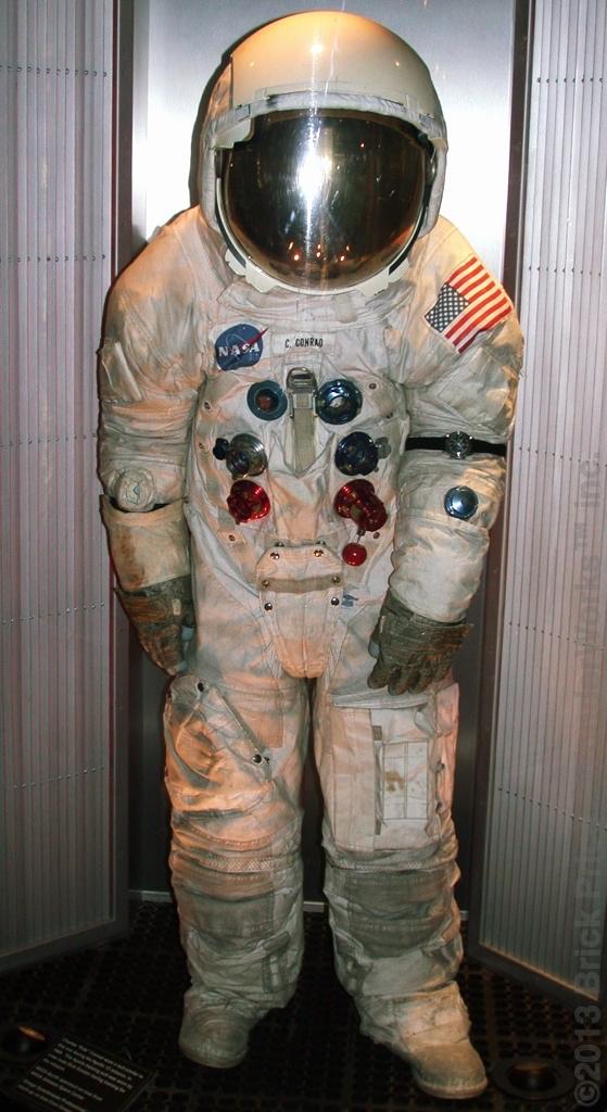 apollo space suit rental - photo #26